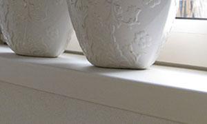 Raamkrukken en vensterbanken isolerende PVC ramen